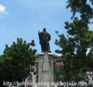 At the center of the plaza stands a statue of King Carlos IV who was